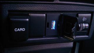 030503C-USB.jpg