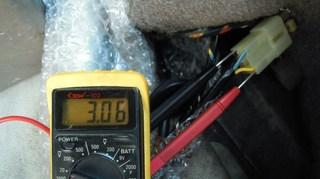 s-030623P-新品メータ電源-車載.jpg